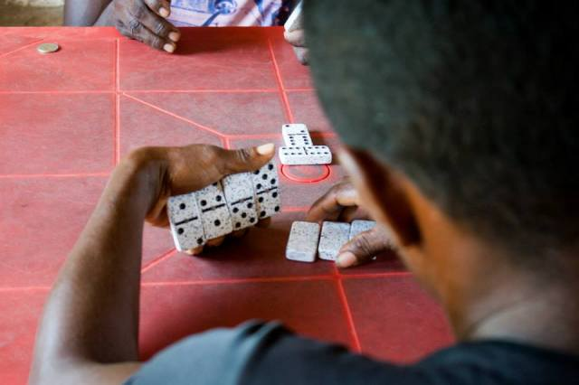 Dominoes, a popular pastime on Colombia´s Carribean Coast Photo: Anna Vogt